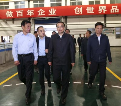 总理关心工程机械物联网大数据 登上国产大马力拖拉机